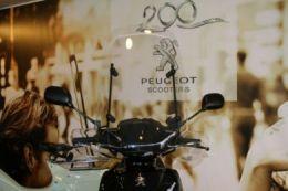 Windscherm Hoog Peugeot KISBEE